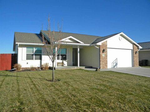 3907 W Park Dr, North Platte, NE 69101