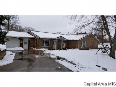 10535 Remington Ln, Carlinville, IL 62626