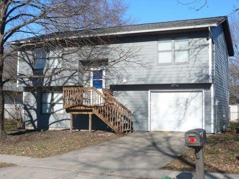1732 Dover St, Iowa City, IA 52240