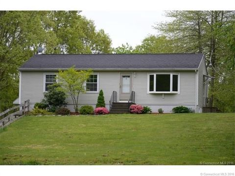 7 Sunnieside Ct, Waterford, CT 06385