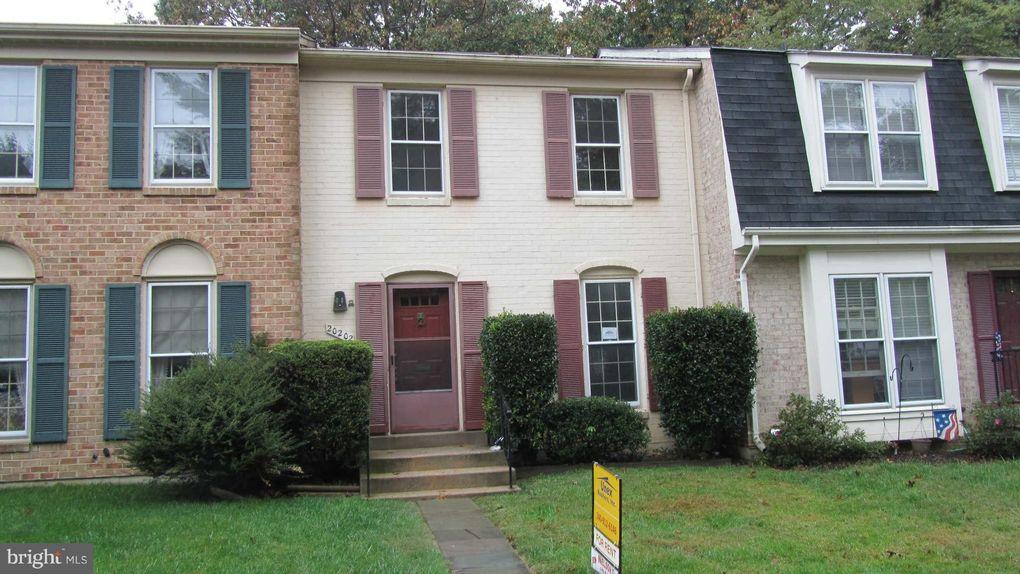 20202 Maple Leaf Ct, Montgomery Village, MD 20886