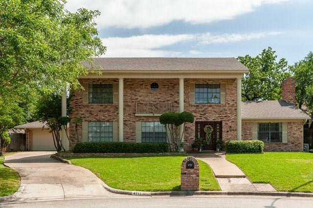 4711 Wood Springs Ct Arlington, TX 76017