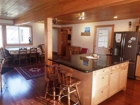 Photo of 162 Mirror Lake Rd, Woodstock, NH 03262