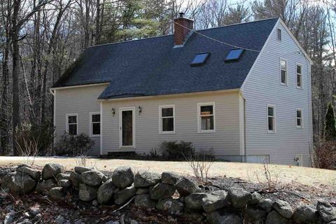 Photo of 174 Joe English Rd, New Boston, NH 03070