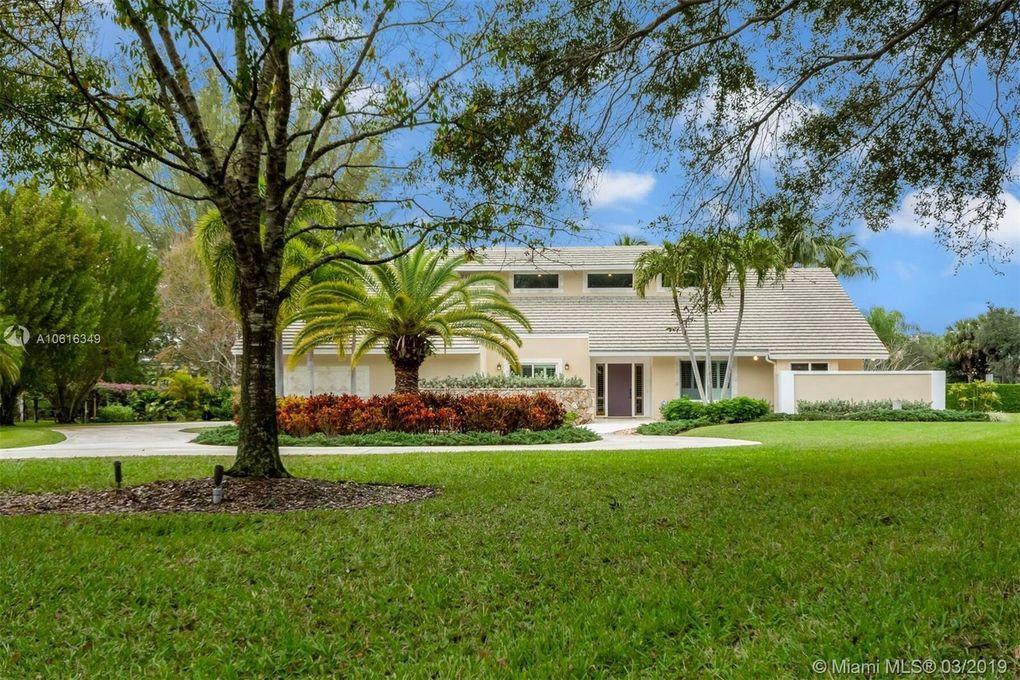 8566 Native Dancer Rd N, Palm Beach Gardens, FL 33418