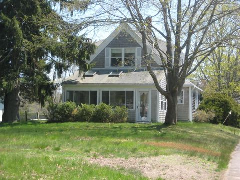 113 W Bay Rd, Osterville, MA 02655