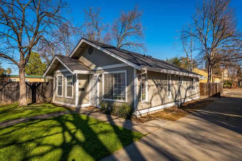 Photo Of 2831 32nd St, Sacramento, CA 95817