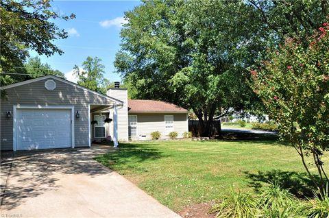 Fantastic 2000 Fawnbrook Dr Greensboro Nc 27455 Home Interior And Landscaping Ologienasavecom