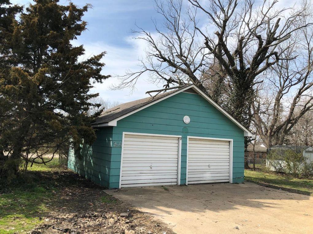 2614 Corning Ave, Parsons, KS 67357