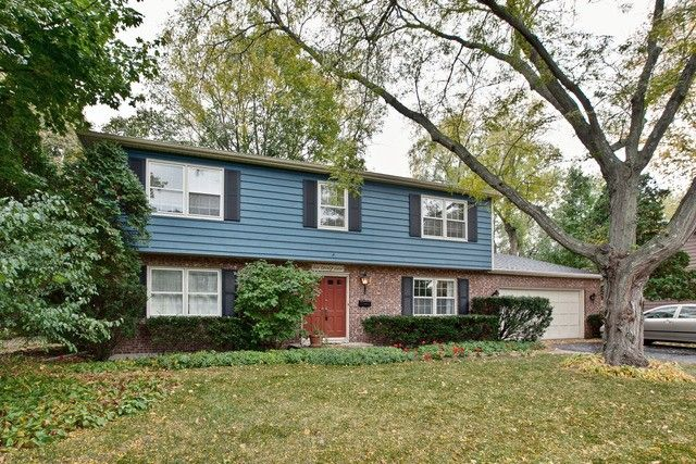 1027 Harms Ave Libertyville, IL 60048