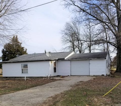 Photo of 516 N Hillcrest St, Hutsonville, IL 62433