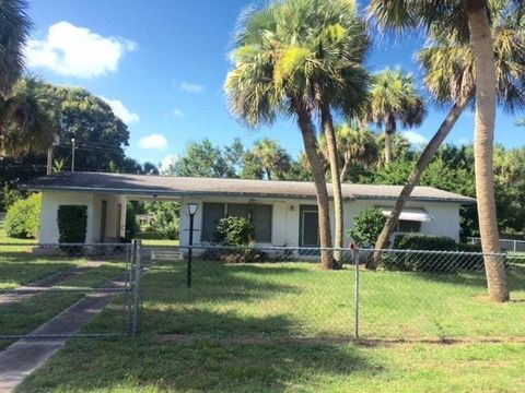 7502 Pacific Ave, Fort Pierce, FL 34951