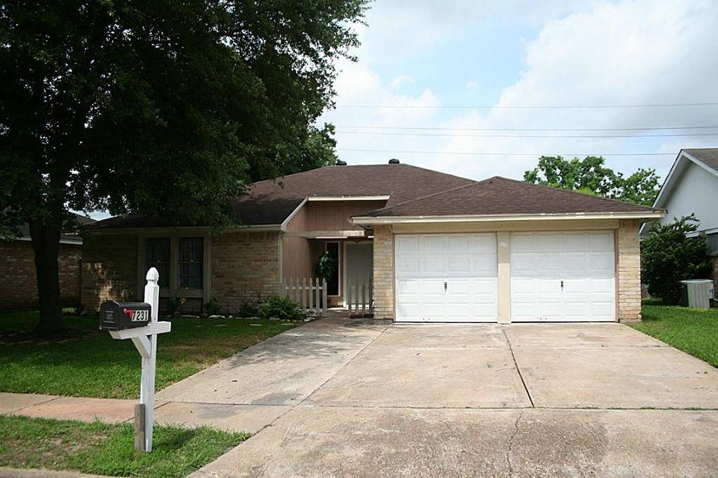 7231 Skylight Ln, Houston, TX 77095
