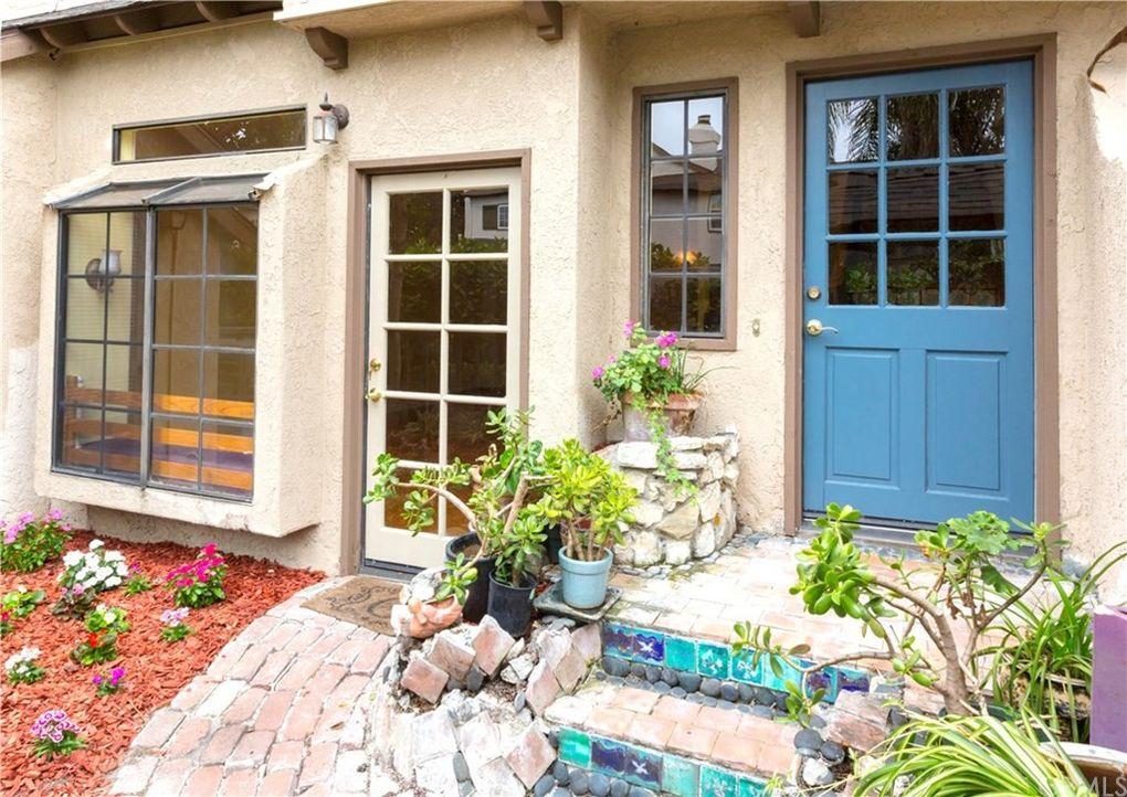 2158 San Michel Dr W Unit B, Costa Mesa, CA 92627
