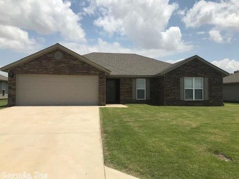 Photo of 4570 Edinburgh Dr, Jonesboro, AR 72405