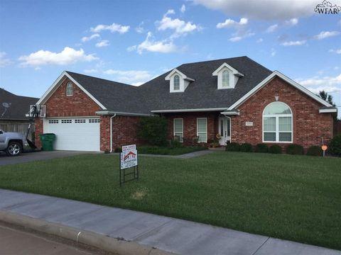 1137 Regency Dr, Burkburnett, TX 76354