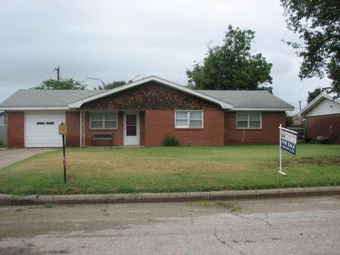 Photo of 1403 Mercer St, Quanah, TX 79252