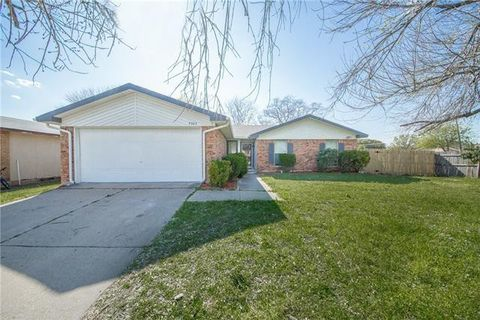 Photo of 7325 Catbrier Ct, Fort Worth, TX 76137