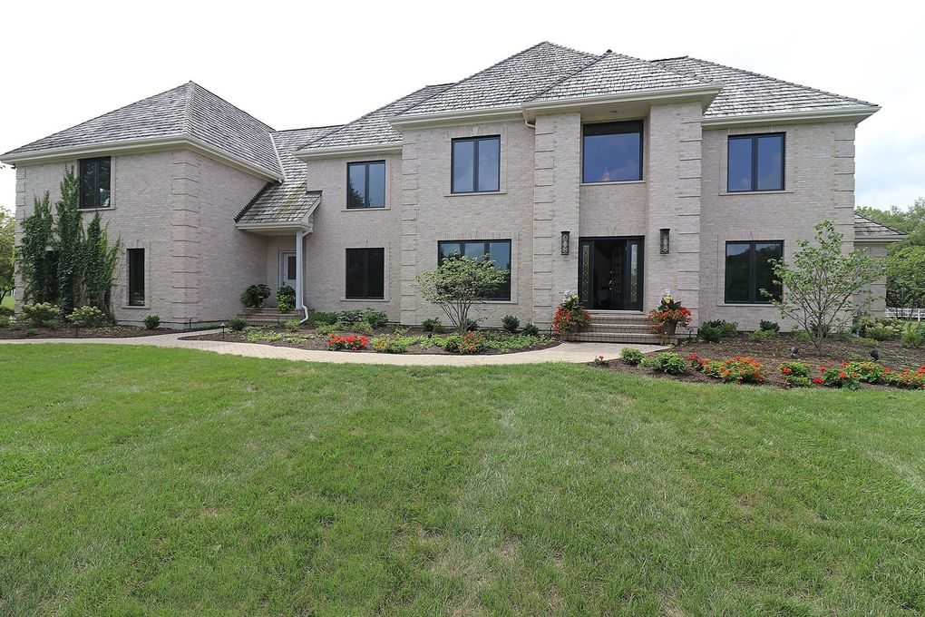 16393 Thoroughbred Dr Old Mill Creek, IL 60083