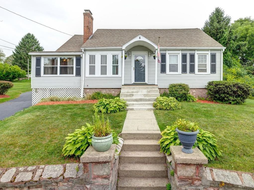 6 5th Ave Dudley, MA 01571