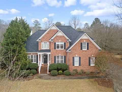 Photo of 9021 White Oak Cir, Monroe, GA 30656