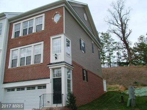 18 Lookout Dr, Indian Head, MD 20640