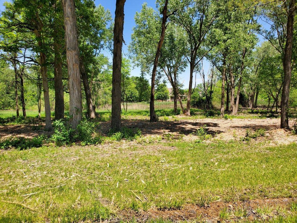 Oak Knoll Cir Lot 16 Gurnee, IL 60031