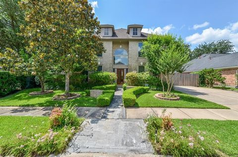 14203 Heatherhill Pl, Houston, TX 77077