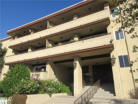 Photo of 5412 Lindley Ave Unit 216, Encino, CA 91316