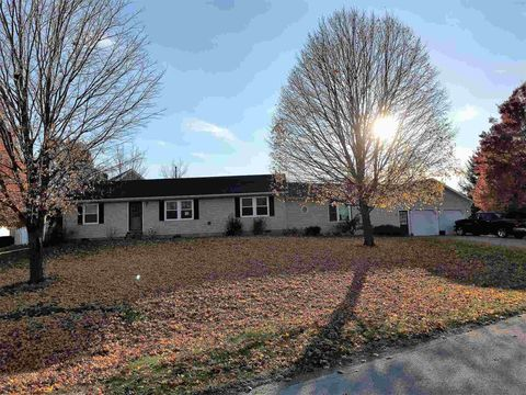 Photo of 49 W Elm St, Somerset, IN 46984