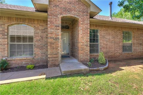 Genial 1909 Nw 159th Pl, Edmond, OK 73013