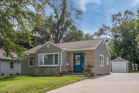 1309 Kirkwood Ave, Iowa City, IA 52240