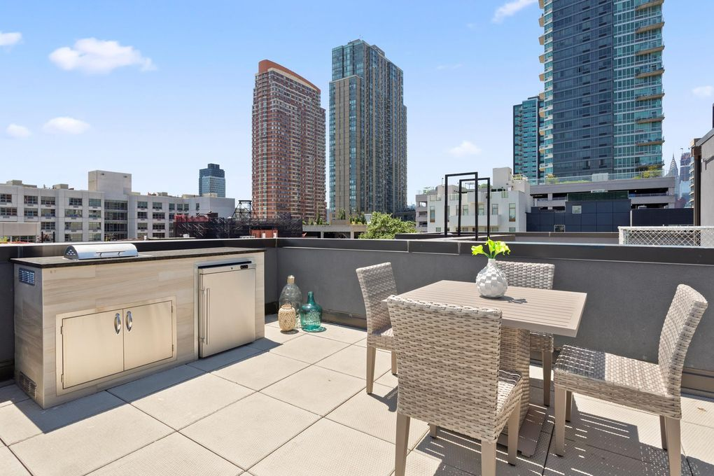 5-26 47th Ave Unit 1 A, Queens, NY 11101