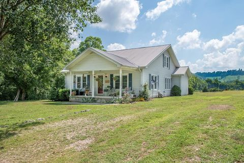 Photo of 2040 Dry Fork Rd, Granville, TN 38564