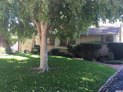 175 S Lima St, Sierra Madre, CA 91024