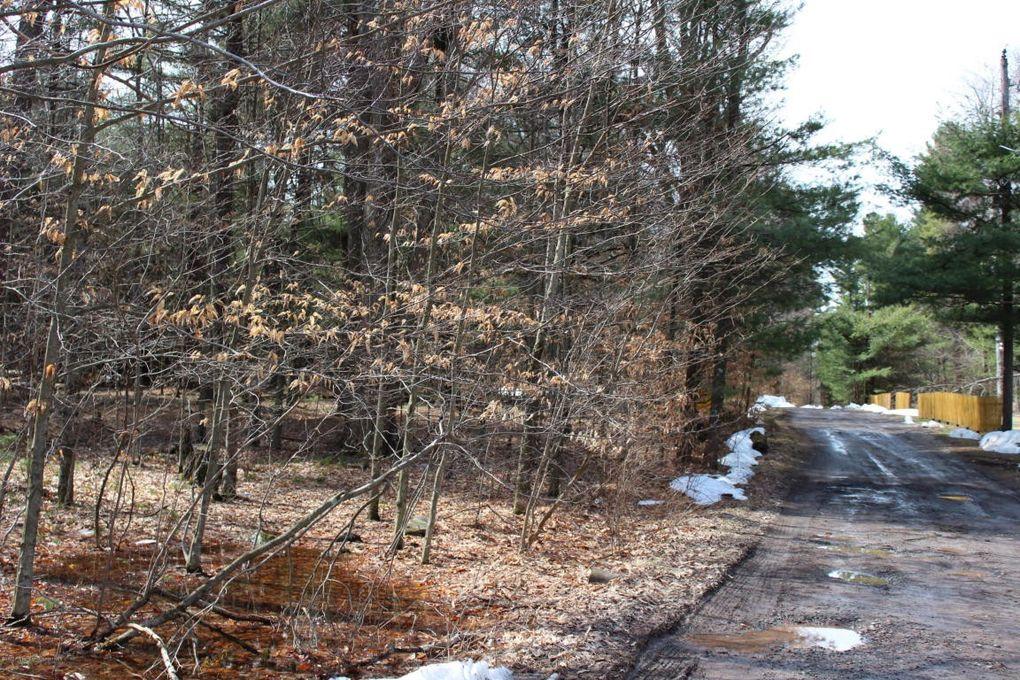 R Bear Lake Rd, Thornhurst, PA 18424