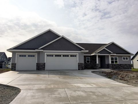 Photo of 1776 Applewood Dr, De Pere, WI 54115
