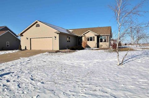 301 Butterfield Ct, Wrightstown, WI 54180