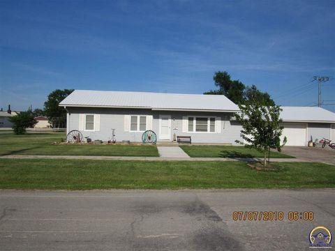 312 S 4th St, Osage City, KS 66523