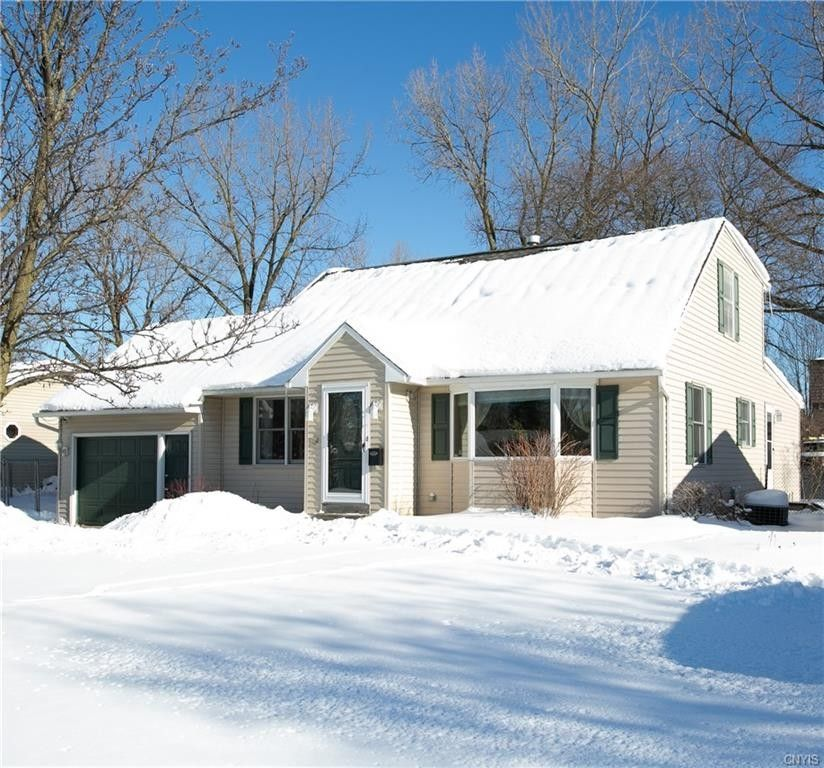 204 Valley Rd Liverpool, NY 13088
