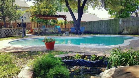 Photo of 2525 Meadow Ln, Garland, TX 75040