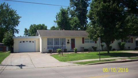 511 E Jackson St, Du Quoin, IL 62832