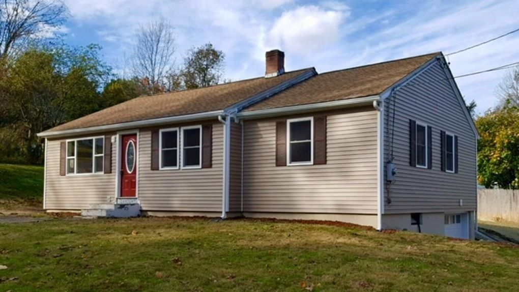 5 Lilly Dr, Leominster, MA 01453