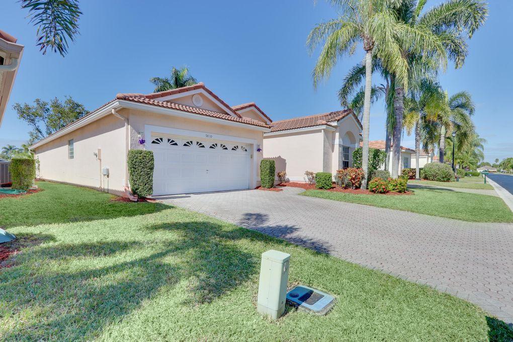 9839 Lemonwood Dr Boynton Beach, FL 33437