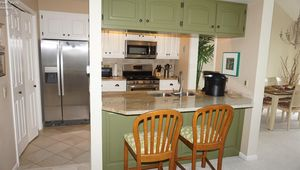 533 Mariner Village Dr, Huron, OH 44839 - Kitchen