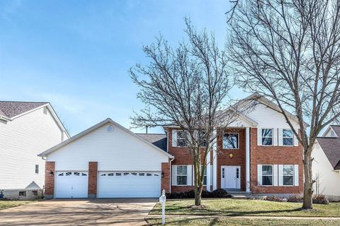 Photo of 208 Harbour Pointe Dr, Grover, MO 63040