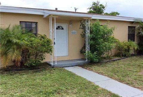 2821 Nw 151st Ter, Miami Gardens, FL 33054