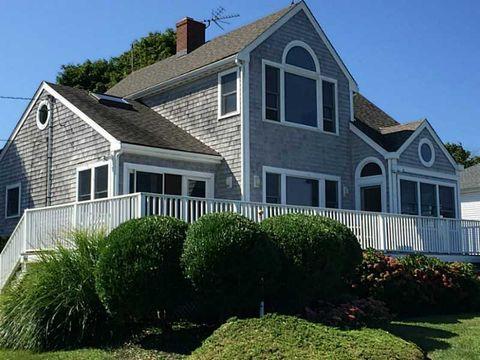 166 Common Fence Blvd, Portsmouth, RI 02871