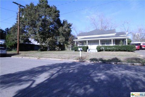 Photo of 106 W Prairie Ave, Eagle Lake, TX 77434