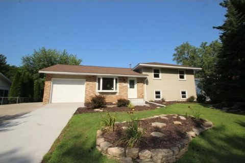 10308 Hollywood Blvd Nw, Coon Rapids, MN 55433